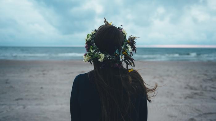 flower crown girl beach ginabells.com people worn